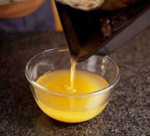 Жареная утка с соусом из красной смородины - фото шаг 4