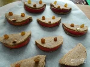 Печенье из гречнево-овсяной муки с яблоком - фото шаг 6