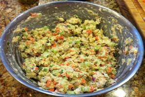 Простой салат с тунцом консервированным - фото шаг 6