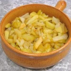 Печень с картофелем в горшочке - фото шаг 4