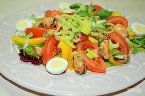 Салат с консервированными мидиями - фото шаг 7