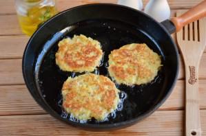 Дранички с ветчиной, сыром и зеленью - фото шаг 6