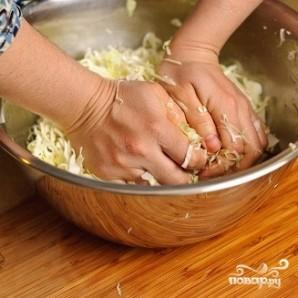 Салат из капусты и огурцов - фото шаг 5