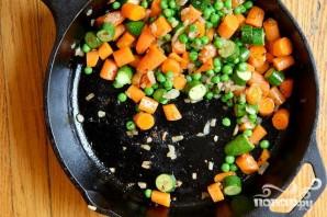 Запеченная курица с тестом и овощами - фото шаг 3