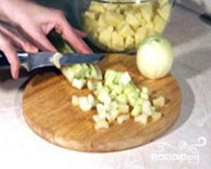 Картофельный суп-пюре с сельдереем и куриными клецками - фото шаг 1