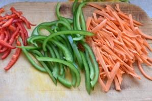 Стир-фрай из вешенок с морковью и овощами - фото шаг 3