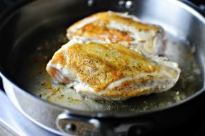 Курица с корочкой на сковороде - фото шаг 4