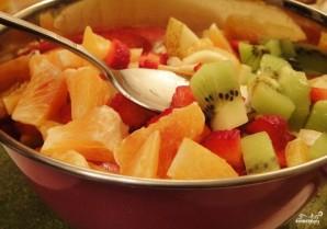 Сладкий салат из фруктов - фото шаг 3
