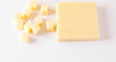 Канапе с сыром и колбасой - фото шаг 2