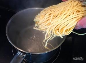 Спагетти с грибами в сливочном соусе - фото шаг 7