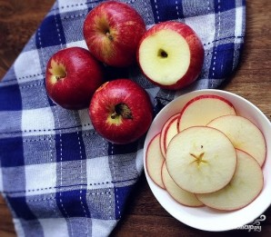 Яблочные чипсы в микроволновке - фото шаг 1