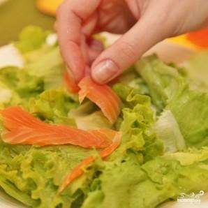 Зеленый салат с форелью - фото шаг 7