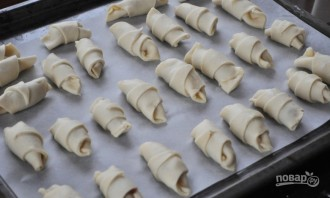 Рогалики с повидлом на маргарине - фото шаг 5