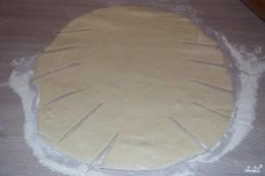 Пирог из дрожжевого теста в духовке - фото шаг 3