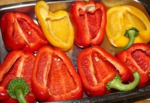 Фаршированные половинки перца в духовке - фото шаг 1