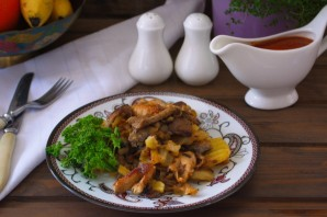 Свинина с картошкой на сковороде - фото шаг 9