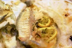 Рыба, запеченная в соли - фото шаг 7