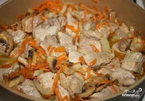 Мясо с грибами в сметане - фото шаг 3
