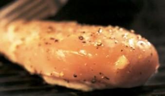 Салат с беконом и курицей - фото шаг 1
