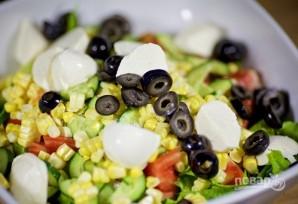 Салат с моцареллой - фото шаг 8