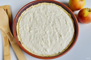 Воздушный творожный пирог с яблоками - фото шаг 9