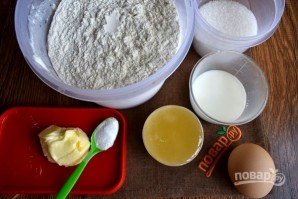 Медовое пирожное с начинкой - фото шаг 1