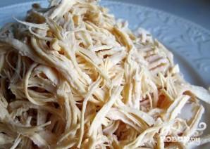 Пикантный салат с курицей и капустой - фото шаг 1