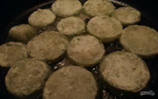 Замороженные кабачки жаренные с чесночным соусом - фото шаг 3