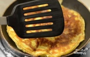 Омлет с козьим сыром - фото шаг 6