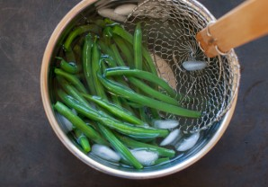 Салат из спаржевой фасоли - фото шаг 3