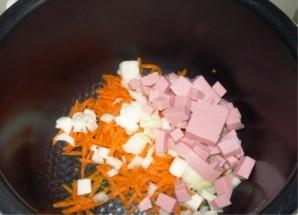 Гороховый суп с колбасой в мультиварке - фото шаг 1