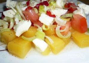Салат из манго, томатов и моцареллы - фото шаг 7