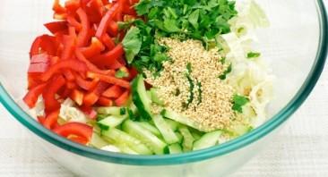 Салат из пекинской капусты с огурцом - фото шаг 6