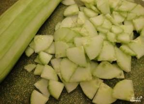 Холодный суп с огурцом - фото шаг 1