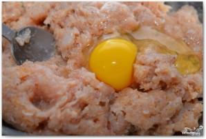 Куриные фрикадельки в томатном соусе - фото шаг 6