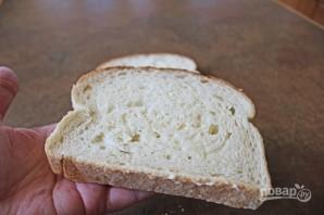 Горячие бутерброды с колбасой и сыром - фото шаг 1