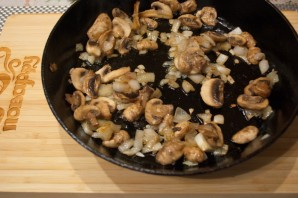 Картофель, тушеный с грибами - фото шаг 5