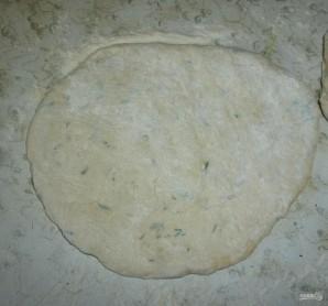 Лепешки из дрожжевого теста на сковороде - фото шаг 9