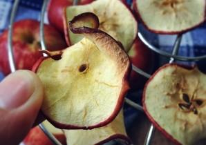 Яблочные чипсы в микроволновке - фото шаг 4
