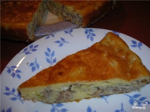 Заливной пирог с сайрой и рисом - фото шаг 8