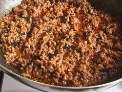 Перцы с фаршем в духовке - фото шаг 1