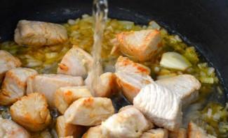 Индейка кусочками на сковороде - фото шаг 2