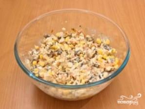 Салат с шампиньонами и кукурузой - фото шаг 9