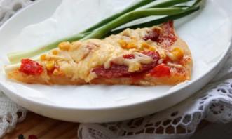 Домашняя пицца с колбасой и сыром - фото шаг 6