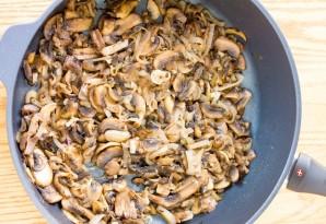 Слоеные пирожки с рыбой, грибами и рисом - фото шаг 2