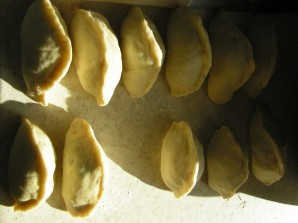 Пирожки на кефире без яиц - фото шаг 8
