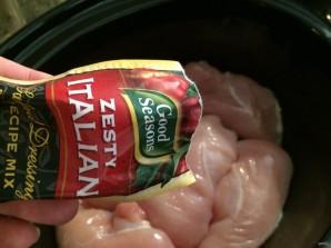 Куриная грудка, тушенная в мультиварке - фото шаг 2