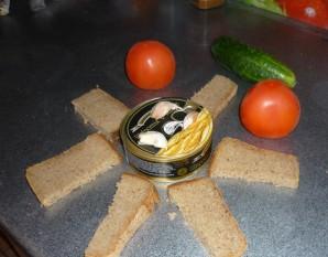Жареные бутерброды со шпротами - фото шаг 1