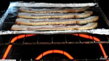Бекон запеченный в духовке - фото шаг 3