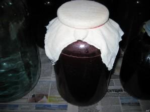 Наливка из крыжовника и чёрной смородины - фото шаг 6